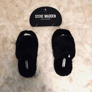 Steve Madden Slippers — Black M